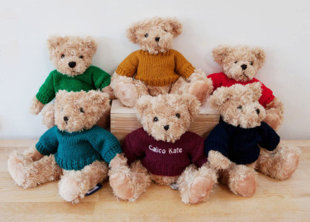 Small teddy bears